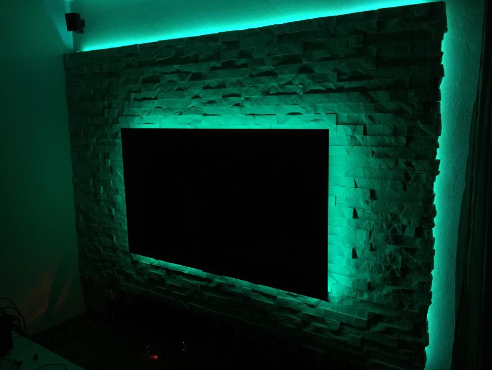TV-Wand bauen und mit Verblendern individuell arrangieren