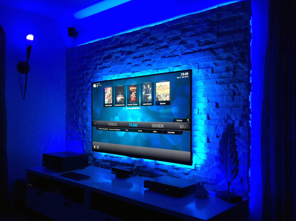 led tv wand awesome led tv wand nett led tv wand selber bauen cinewall do it yourself with led. Black Bedroom Furniture Sets. Home Design Ideas
