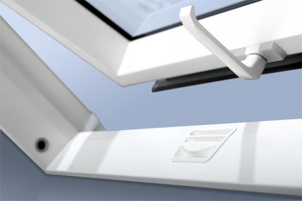 dachfenster fakro ptp u3 schwingfenster aus kunststoff. Black Bedroom Furniture Sets. Home Design Ideas