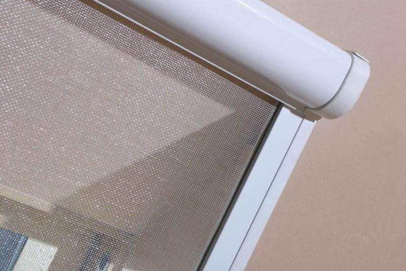fakro ams insektenschutzrollo f r dachfenster. Black Bedroom Furniture Sets. Home Design Ideas