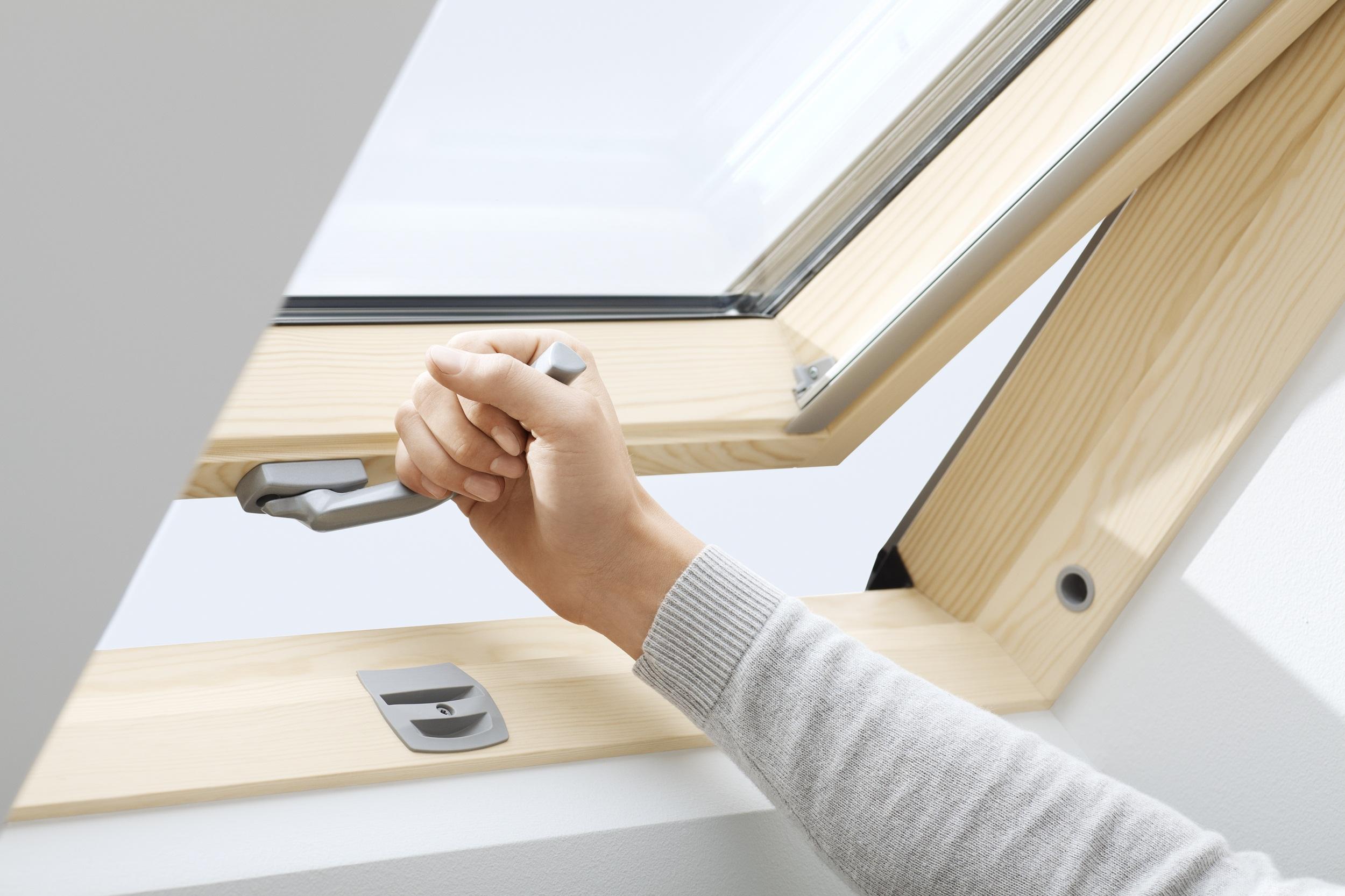 dachfenster velux gzl b 1051 g nstig im online shop. Black Bedroom Furniture Sets. Home Design Ideas