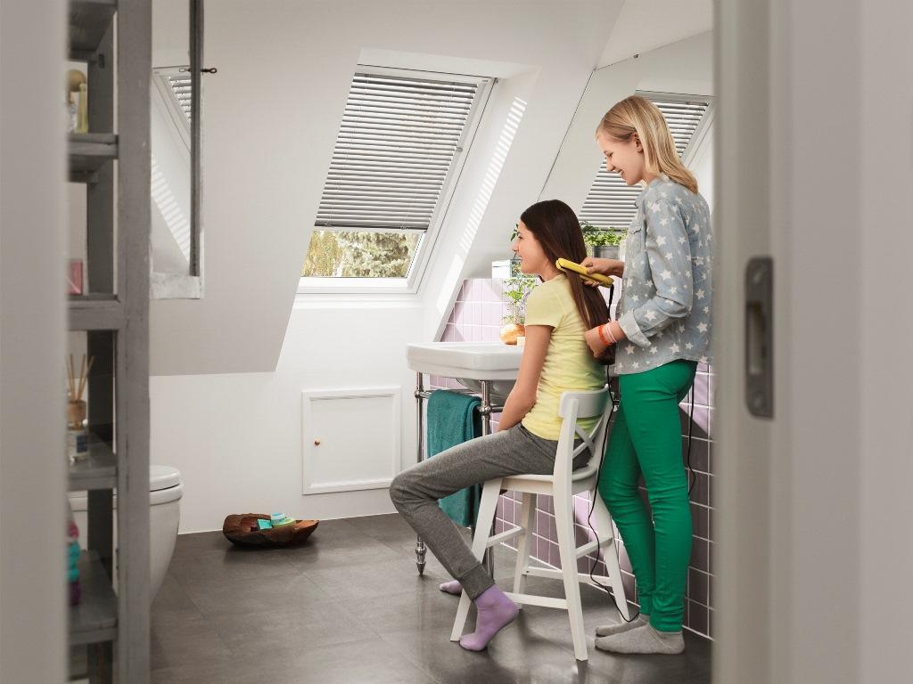 dachfenster velux glu 0051 g nstig im online shop. Black Bedroom Furniture Sets. Home Design Ideas