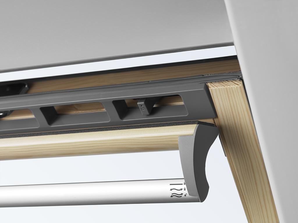 dachfenster velux ggl 3070q mit einbruchsicherung. Black Bedroom Furniture Sets. Home Design Ideas
