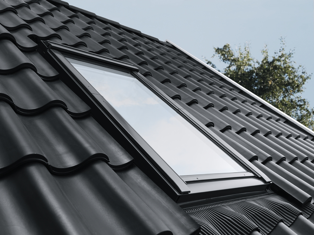 Roof window velux ggl 3060r pine finish - Velux ggl 4 ...
