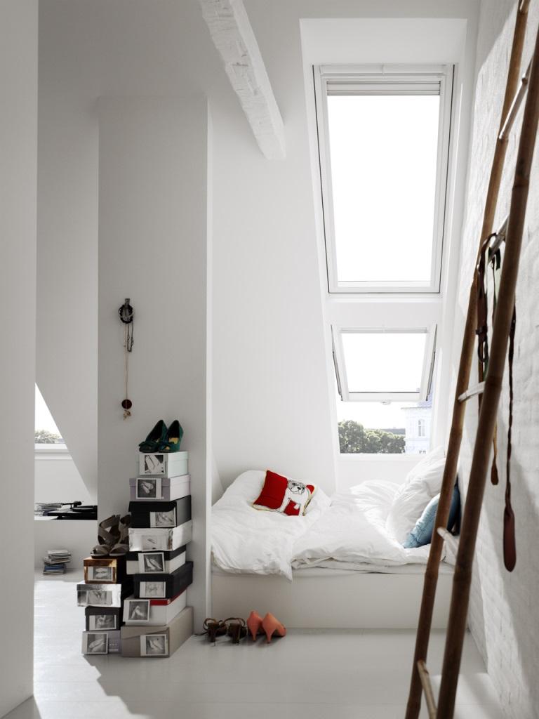 Roof window velux gpu 0070 white polyurethane finish for Velux in pvc