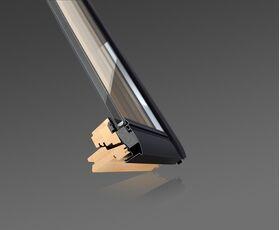 roof window velux ggl 3062 pine finish. Black Bedroom Furniture Sets. Home Design Ideas