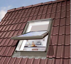Kunststoff Dachfenster OptiLight TLP im Dach